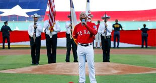 Texas Rangers third base coach Tony Beasley