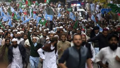 Pakistani religious groups protest against a Supreme Court decision