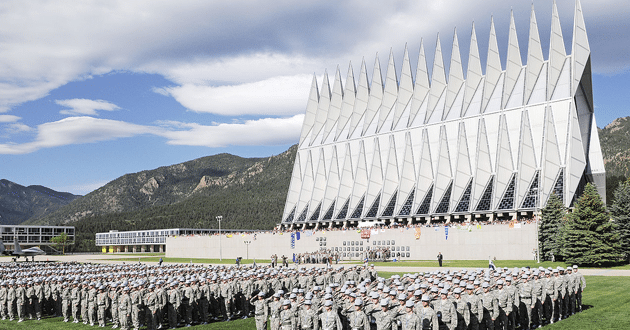 Photo of Air Force won't let atheist airman skip God in enlistment oath