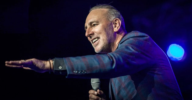 Photo of Hillsong pastor answers questions about his late father's alleged abuse