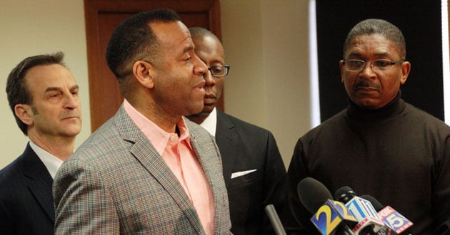 Photo of Former Atlanta fire chief sues city, mayor