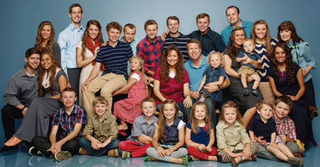 Photo of TLC pulls 19 Kids over Josh Duggar misconduct scandal