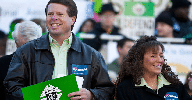 Photo of Duggars open up to Fox-TV's Megyn Kelly on family scandal