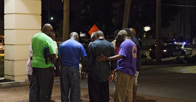 Photo of Charleston pastors pray for lasting unity