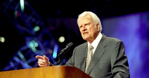 Photo of Billy Graham examines heaven and hell in his 'final' book