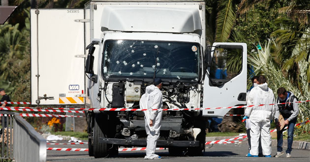 Photo of With 84 dead, France investigates whether truck attacker acted alone