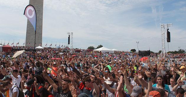 Photo of Evangelicals gather for prayer rally in Washington