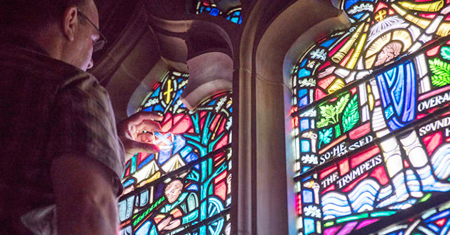 Photo of Confederate flag images quietly removed from National Cathedral