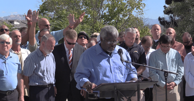 Photo of El Cajon pastors urge unity after police shooting