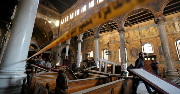 Photo of Coptic Christians in Egypt mourn after bombing
