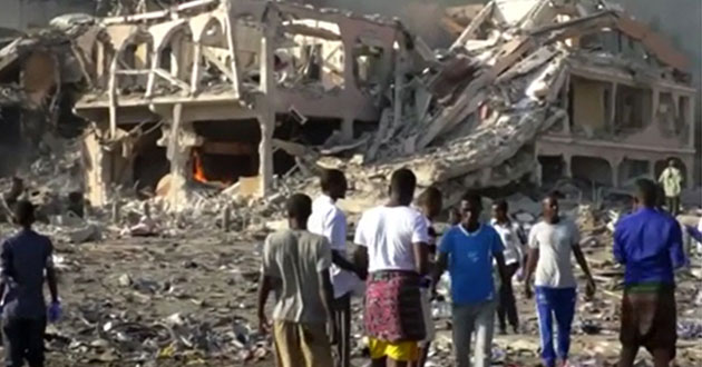Photo of Al-Shabaab blamed for Somalia bombing killing 320-plus