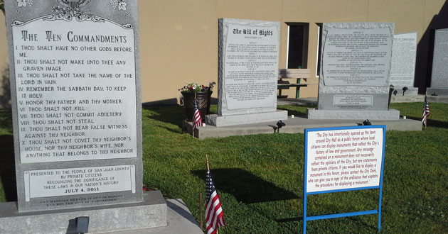 Photo of Supreme Court lets decision stand against Ten Commandment monument in New Mexico