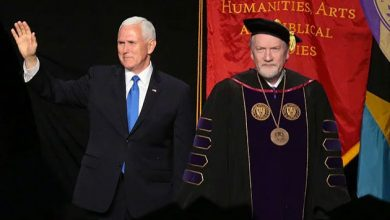 Photo of Taylor University president resigns after hosting VP Pence as commencement speaker