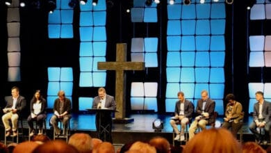 Photo of Willow Creek elders preach reconciliation after allegations against Hybels