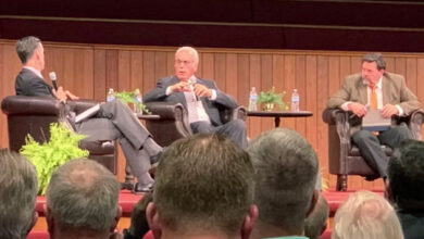 Photo of John MacArthur accuses SBC of caving and tells Beth Moore 'Go home'