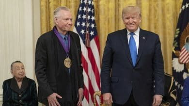 Photo of Actor Jon Voight Is Asking Every Patriotic God-Loving American to Take this Pledge