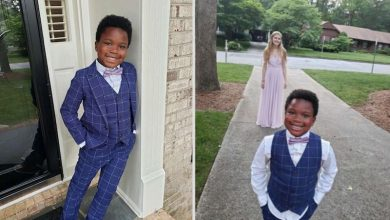 Photo of 7-Year-old Hosts Adorable Mini-Prom for Babysitter Whose Event Was Cancelled